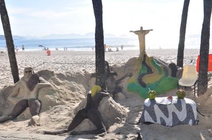 Seni Pasir Copacobana