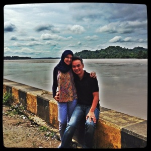 Di pinggir Sungai Mahakam