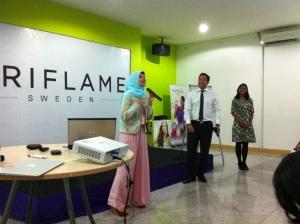 Sharah in action di Oriflame Surabaya