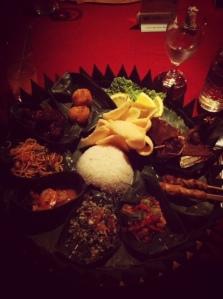 Makan Malam Khas Bali