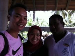 Dengan Susanta, pegawai hotel yang ramah