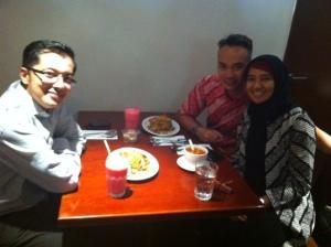 Makan malam bersama teman semasa SMA
