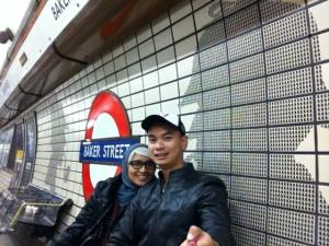 transportasi lokal sehari-hari menggunakan underground (tube)